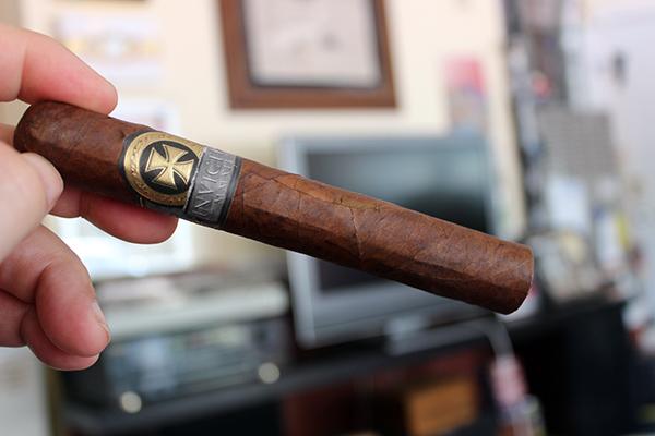 Tre-J Invictis Cigar
